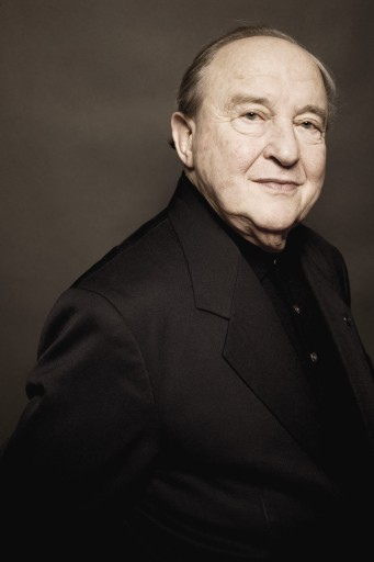 Portrait of Menahem Pressler in dark suit